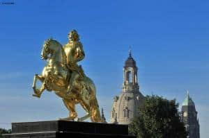 Stadtrundfahrt durch Dresden bis nach Pillnitz